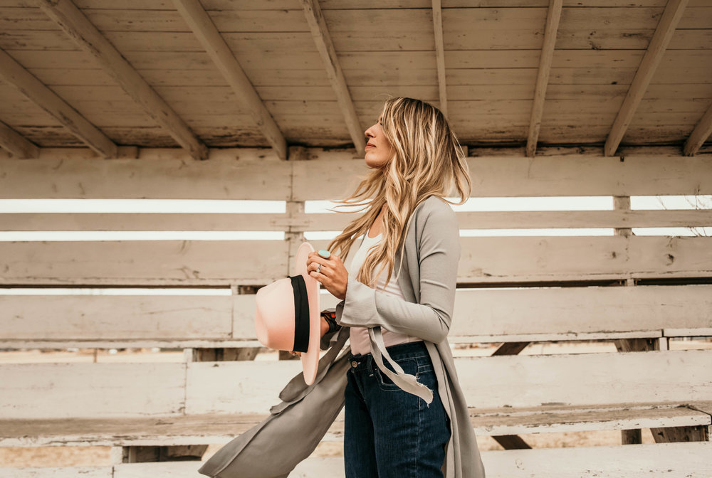 Miss. Miller's Photography | Kimes Ranch Jeans | Western Couture | felt hat pink western | western lifestyle photographer | Colorado western photographer | western attire | cowgirl fashion | spring western fashion treds