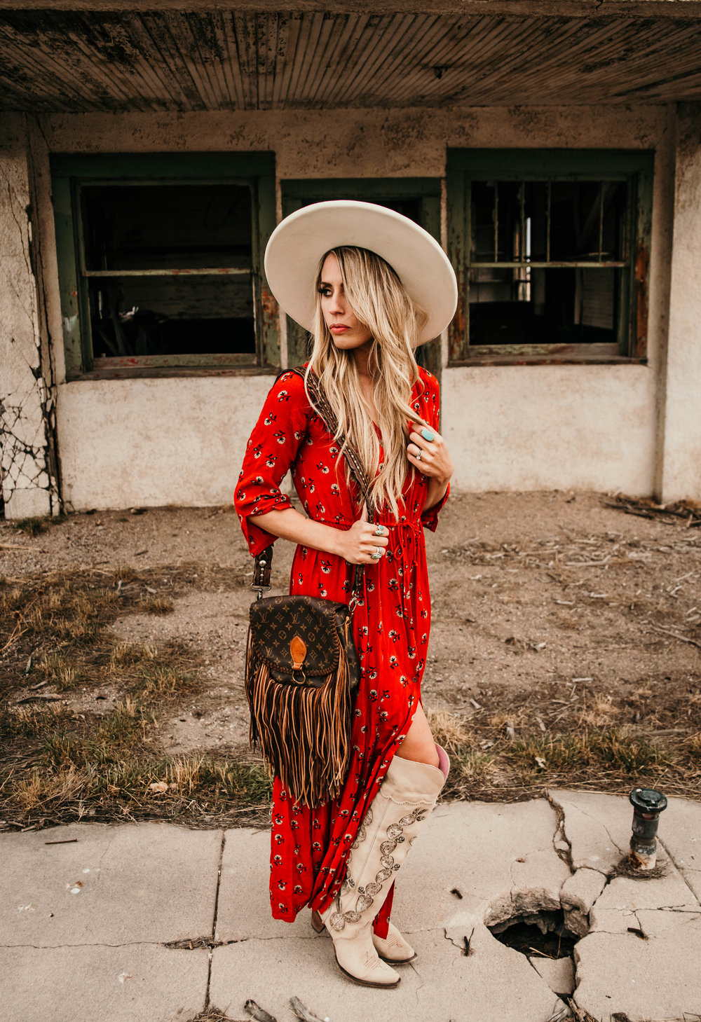Miss. Miller's Photography | Western Couture | Whitney Benton | Red boho bag | White felt hat | red western spring dress | cowgirl fashion