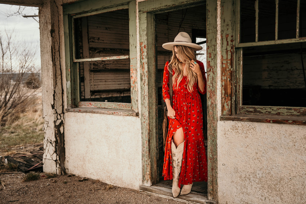 Miss. Miller's Photography | Western Couture | Red boho Dress | Western Fashion | Western photo shoot ideas | Western hats | tall western boots | Lane Boots | Rustic Western Photo Shoot | Colorado photographer
