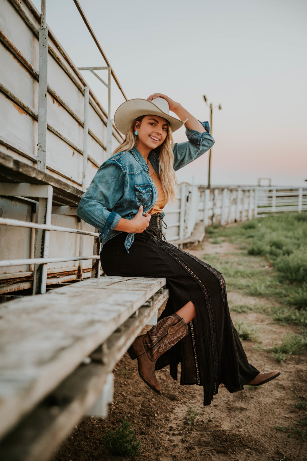 Miss. Miller's Photography | Country Fashion Photos | Country Photo shoot | Western Photo shoot | Western Photographer | Durango Boots | black skirt | black western skirt | wrangler jacket
