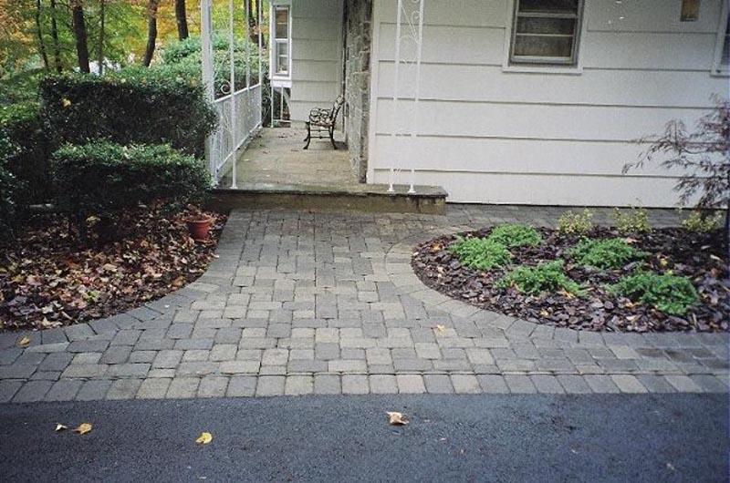 Concrete Paver Walkway 2014 (5).jpg