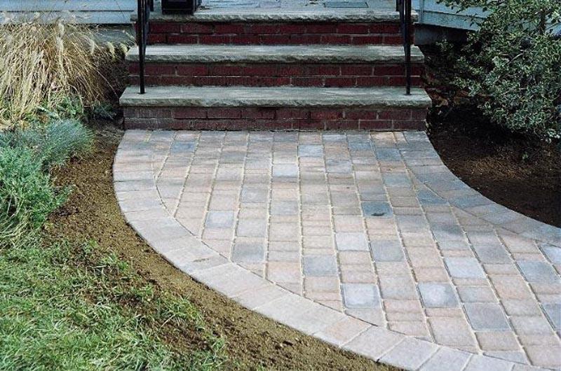 Concrete Paver Walkway 2013 (22).jpg