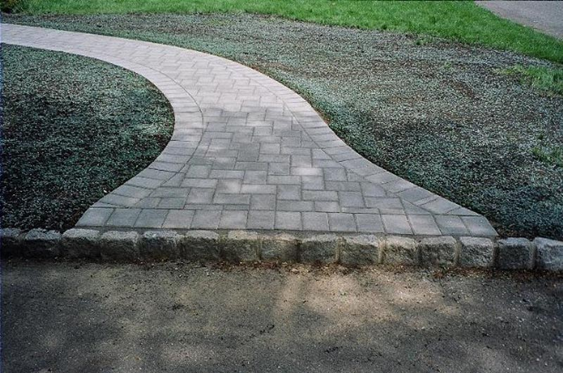 Concrete Paver Walkway 2013 (20).jpg