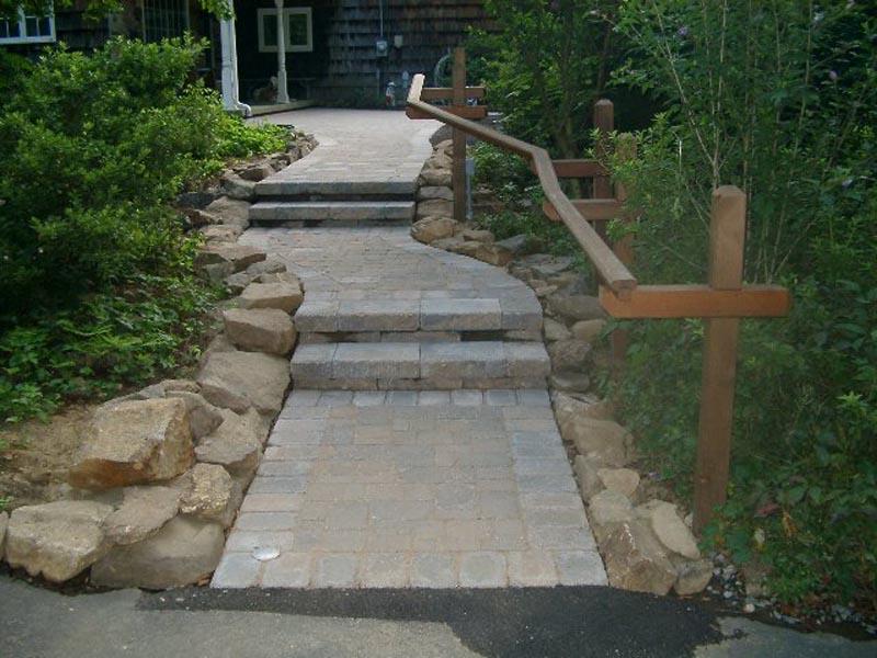 Concrete Paver Walkway 2013 (19).jpg