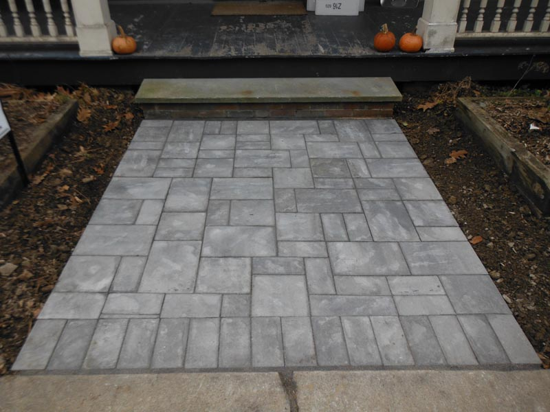 Concrete Paver Walkway 2013 (11).jpg