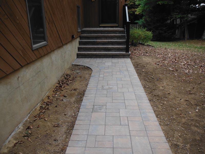 Concrete Paver Walkway 2013 (10).jpg