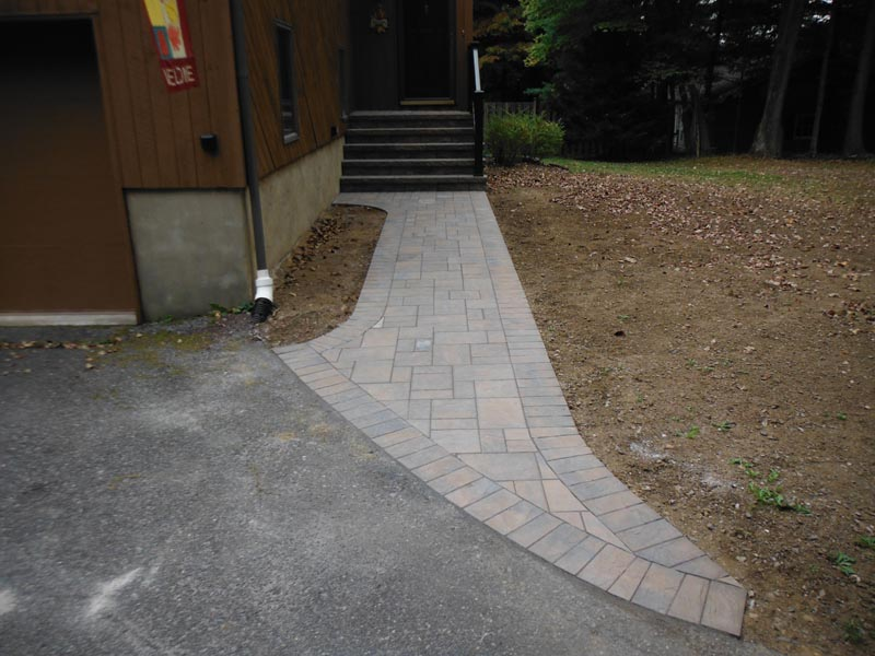 Concrete Paver Walkway 2013 (9).jpg