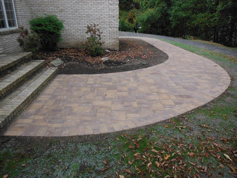 Concrete Paver Walkway 2013 (8).jpg
