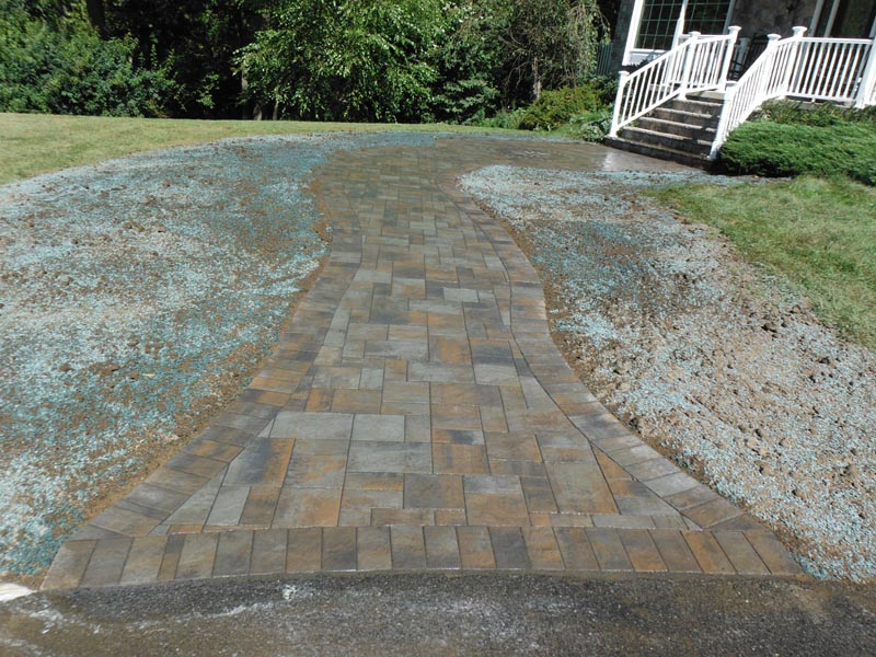 Concrete Paver Walkway 2013 (2).jpg