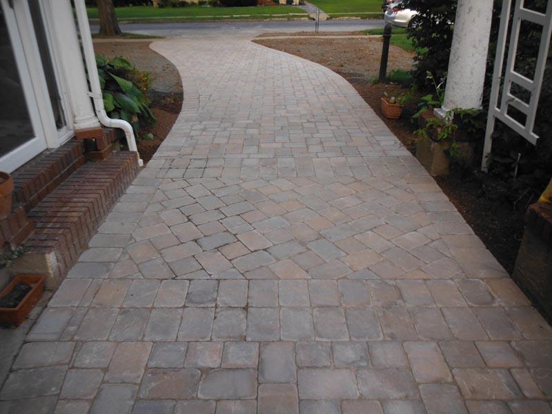Concrete Paver Driveway 2014 (6).jpg