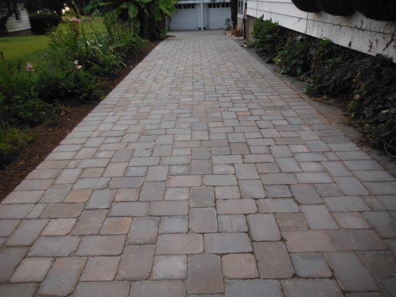 Concrete Paver Driveway 2014 (3).jpg