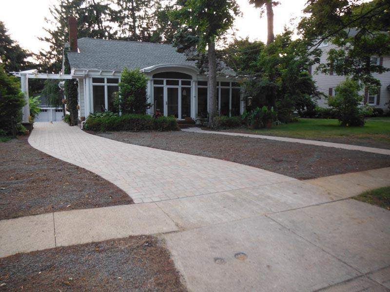Concrete Paver Driveway 2014 (1).jpg