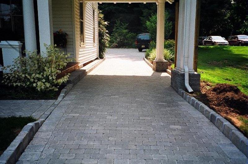 Concrete Paver Driveway 2013  (11).jpg