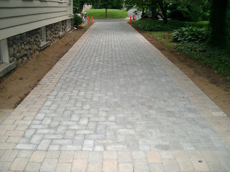 Concrete Paver Driveway 2013  (6).jpg