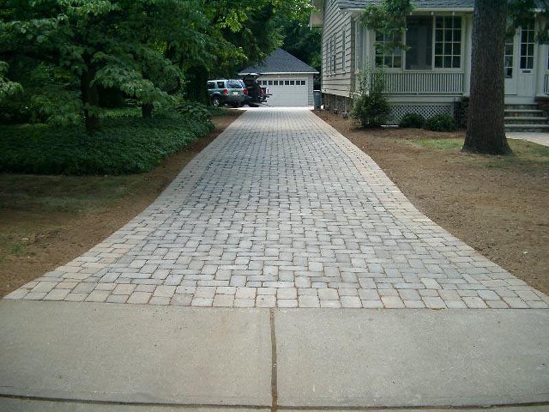 Concrete Paver Driveway 2013  (5).jpg