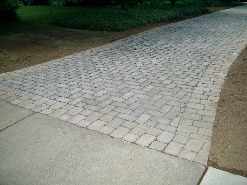 Concrete Paver Driveway 2013  (4).jpg