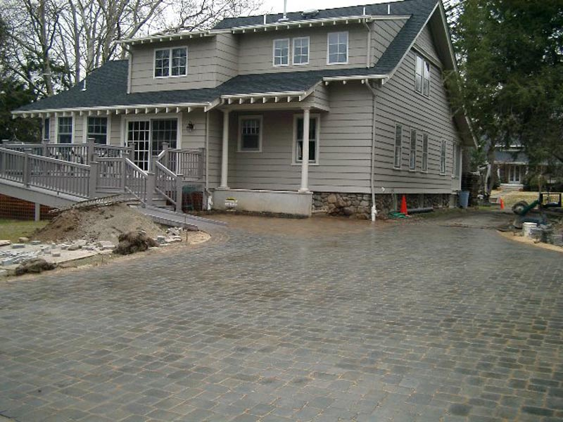 Concrete Paver Driveway 2013  (2).jpg