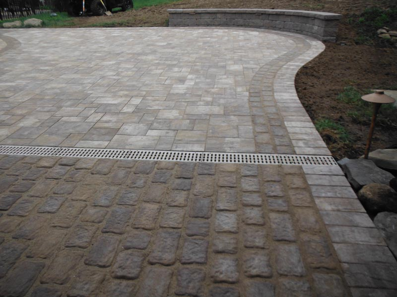 Concrete Paver Patio 2016 (11).jpg