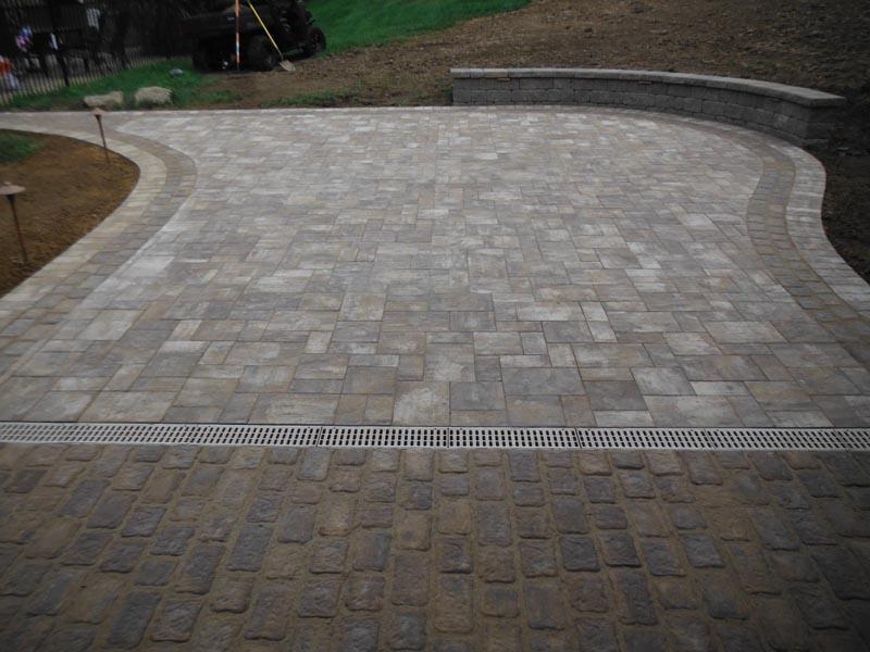Concrete Paver Patio 2016 (10).jpg