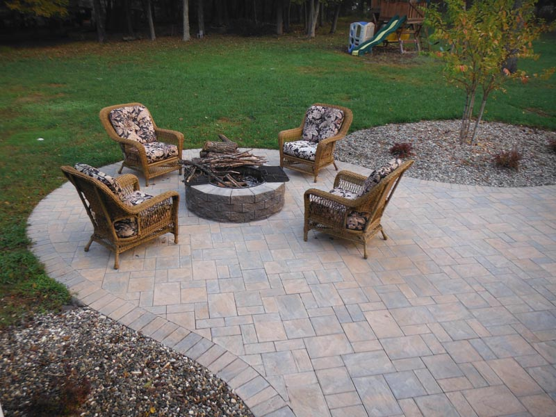 Outdoor Living 2016.jpg