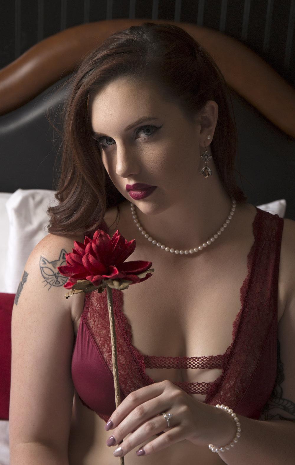 las_vegas_boudoir_photography_casey_jade_Artisan_Hotel_rose