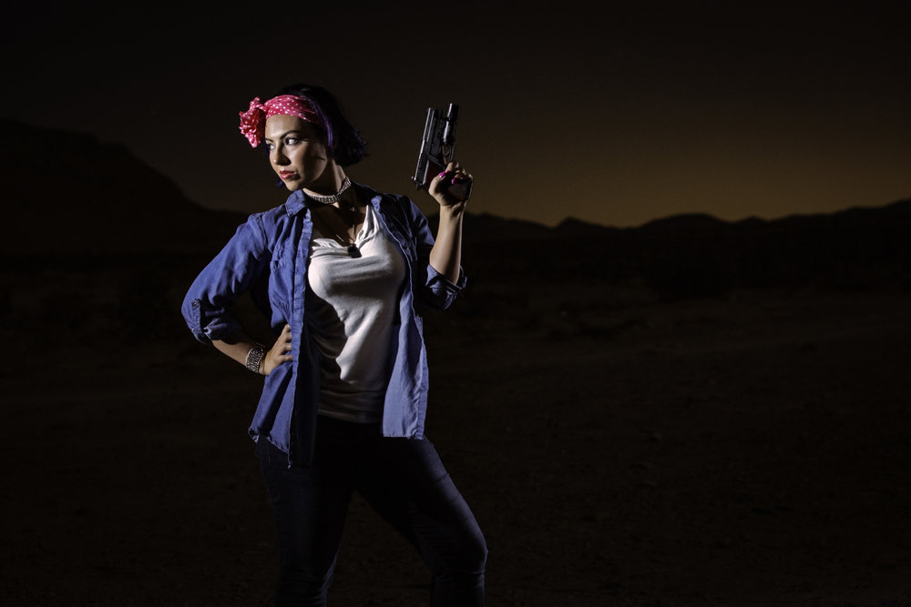 lifestyle-content-photography-gun-portrait-casey-jade-photo