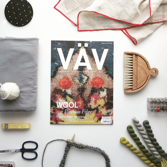 It's a #studiosaturday and there are so many good things I can work on including catching up on my #summerofbasics list but first this #vav magazine has been waiting patiently for me since I picked it up at @weavingworks in May (May!).
