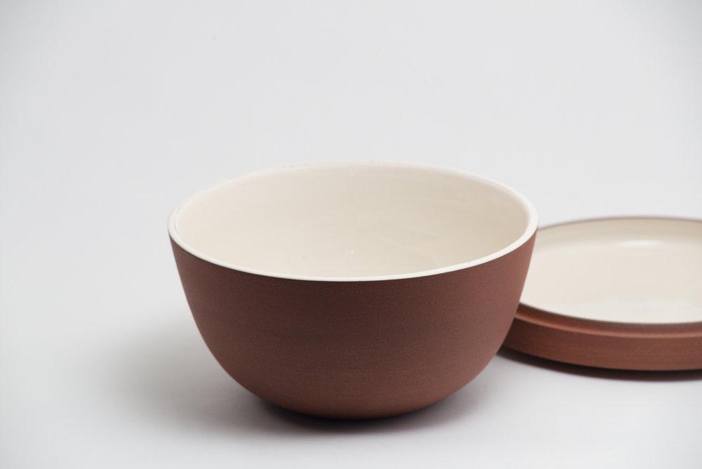leanicolas_ceramic_lidded_bowl_4b
