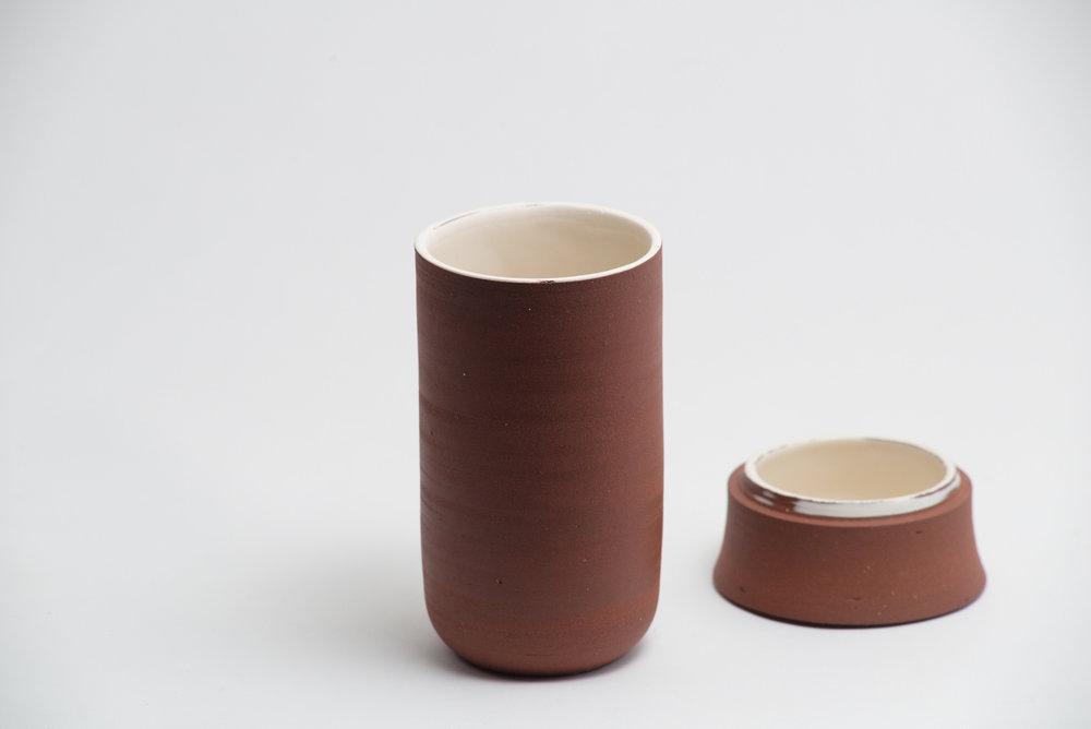 leanicolas_ceramic_lidded_bowl_5b