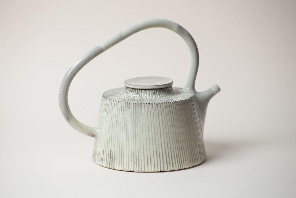 leanicolas_ceramics_teapot_kohiki.jpg