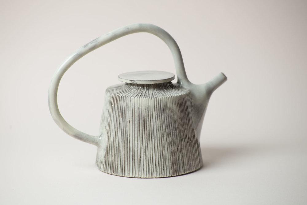leanicolas_ceramics_teapot_kohiki_2.jpg