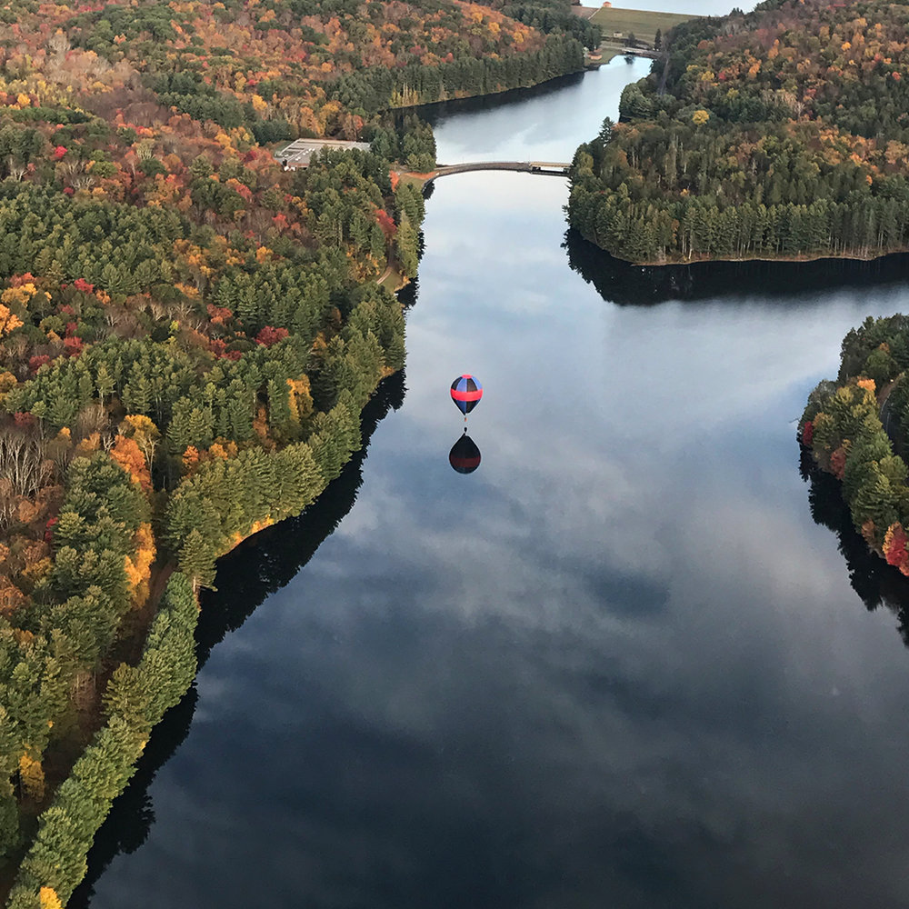 hot_air_balloon_fall_flight_lake.jpg