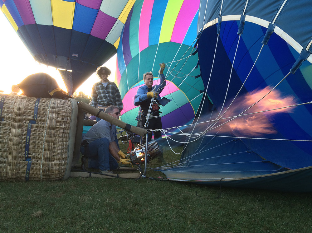 hot_air_balloon_inflation_3.jpg