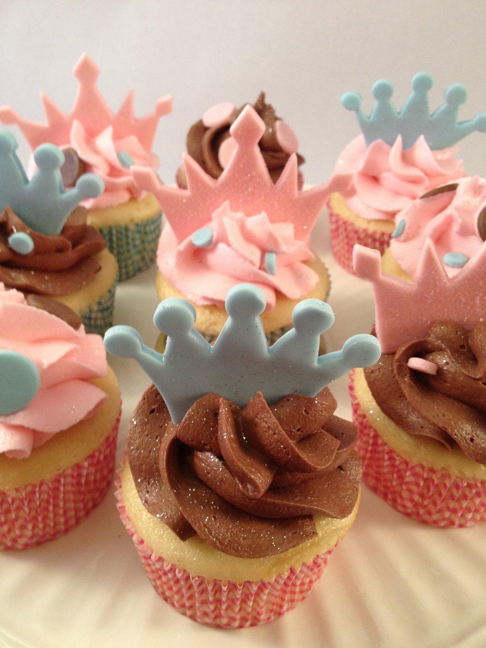 Cupcakes crown.JPG