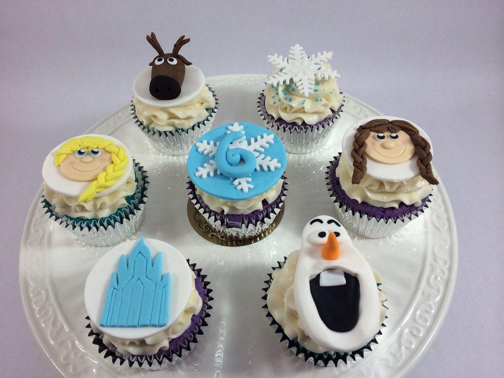 Cupcakes frozen.JPG