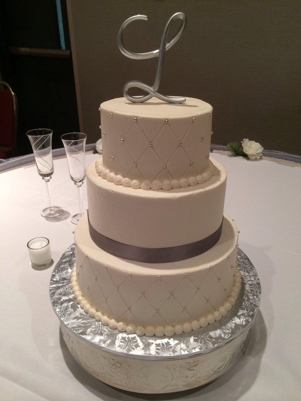 Cake wedding with L.JPG