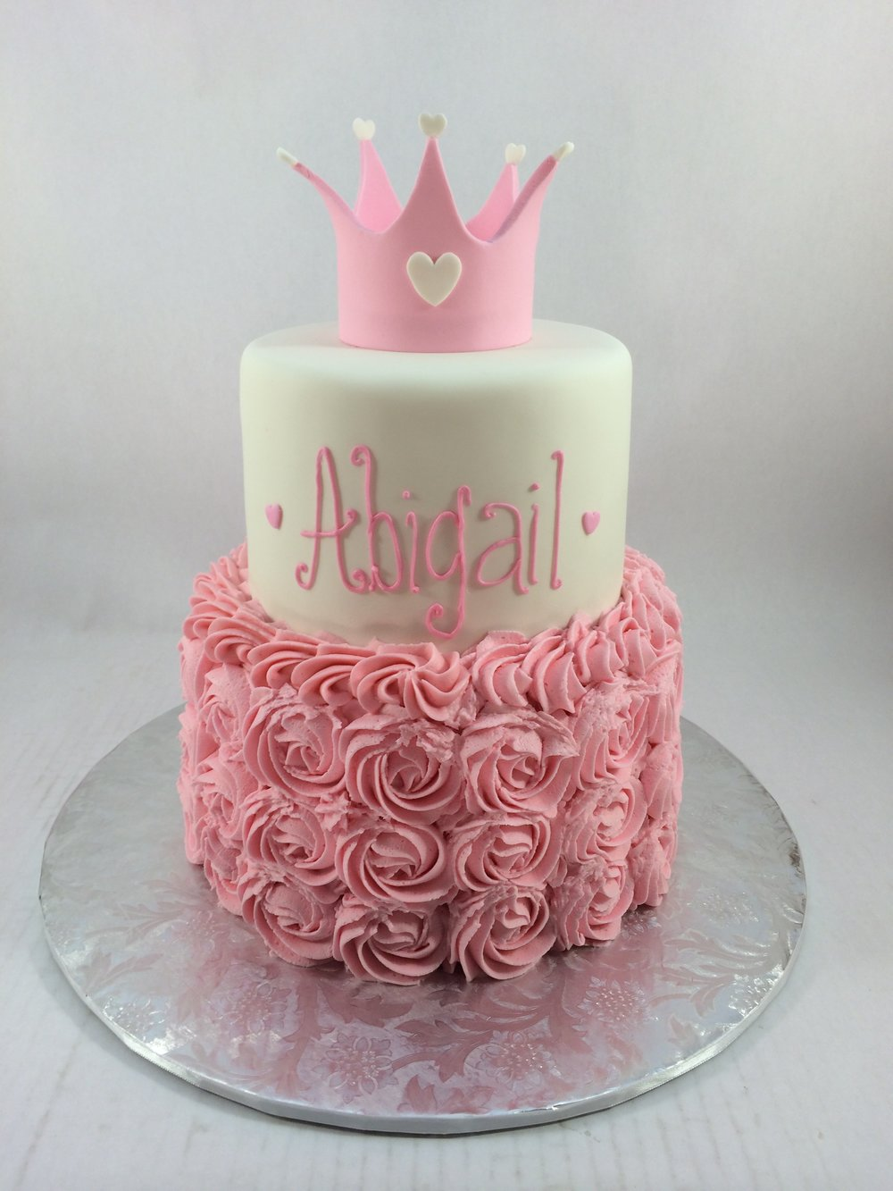Cake abigail with crown.JPG