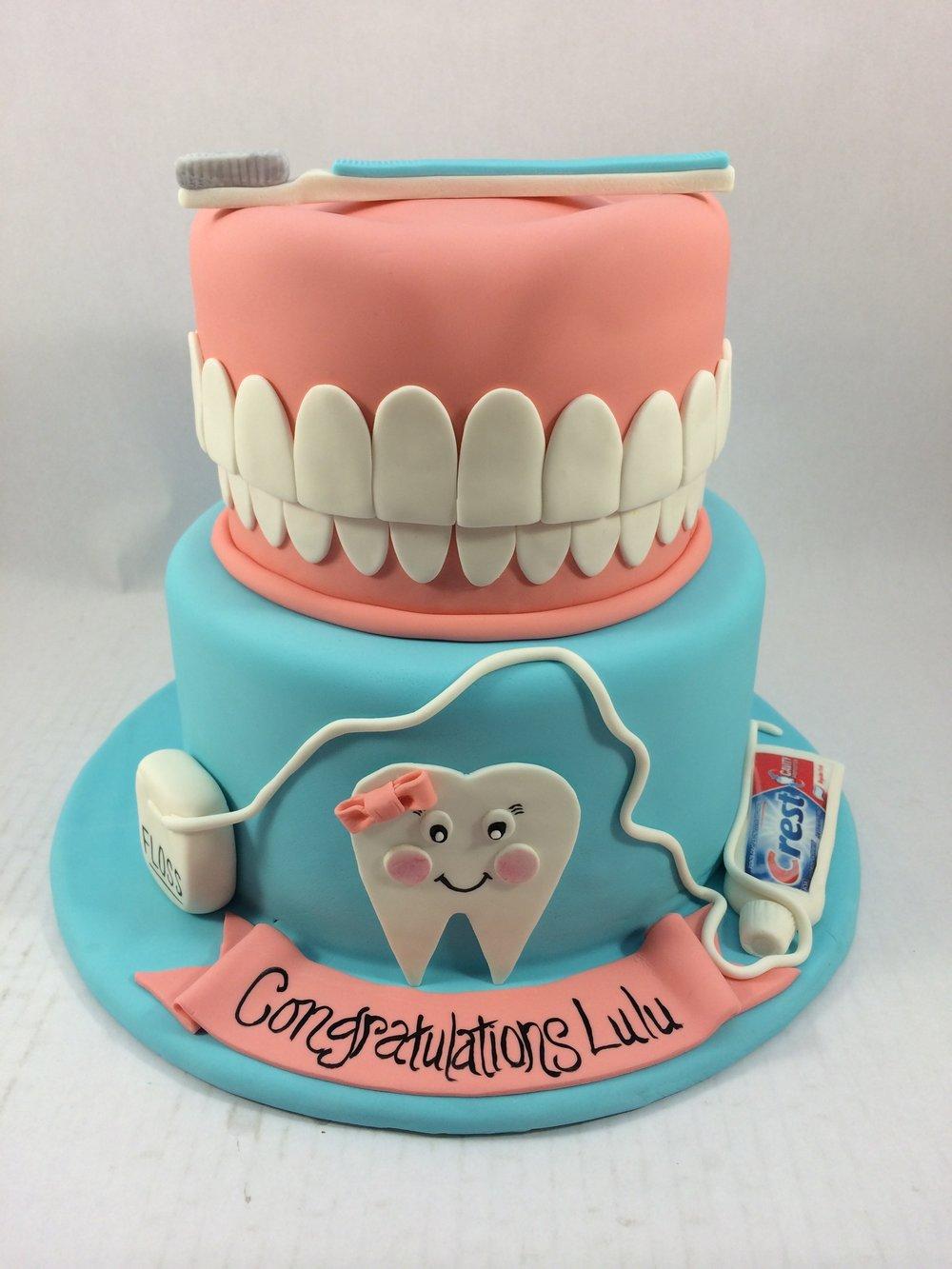 Cake dental theme.JPG