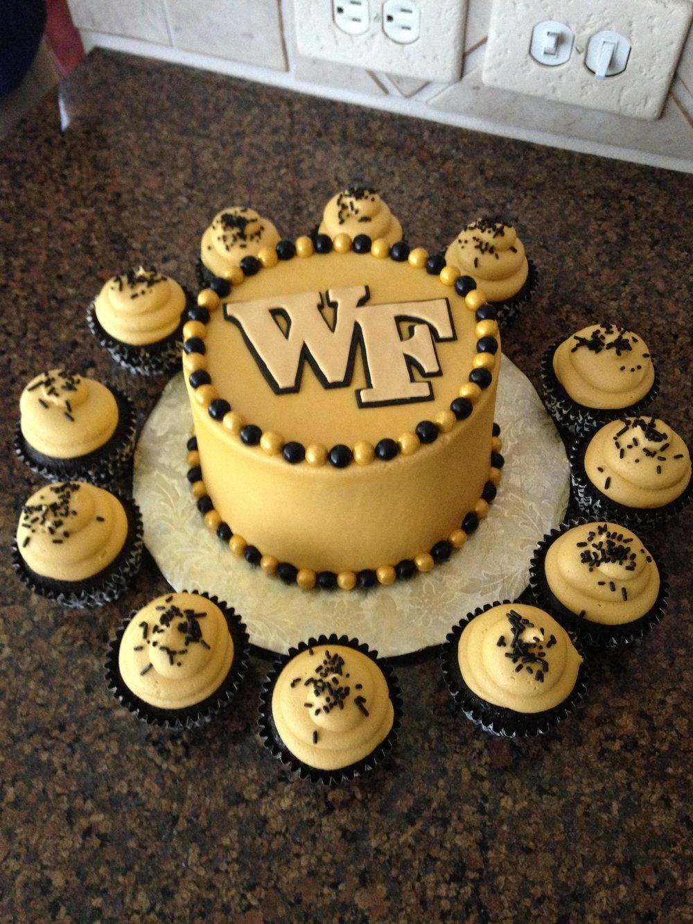 Cake wake with cupcakes.JPG