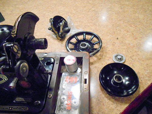 Vintage Singer 99k Sewing Machine: Converting to a Hand Crank
