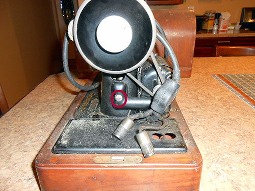 Vintage Singer 99k Sewing Machine from 1922: Cleaning, Restoring, & Adding a Hand Crank