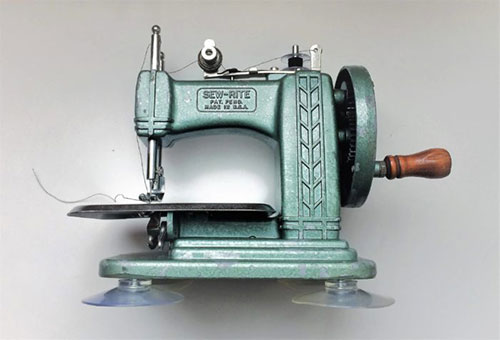Betsy Ross Vintage Toy Sewing Machine Guide