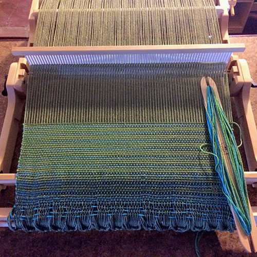 using a schacht flip loom rigid heddle weaving for beginners the