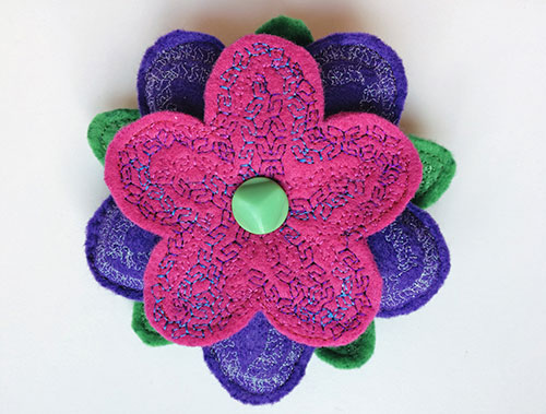 Free Sewing Pattern and Tutorial: Flower Pincushion