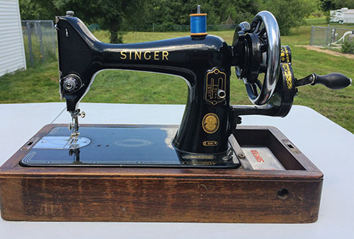 Singer 99k with a hand crank