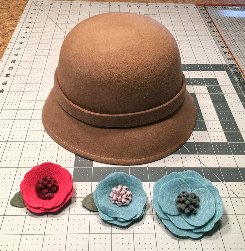 DIY Interchangeable Felt Flowers for a Hat