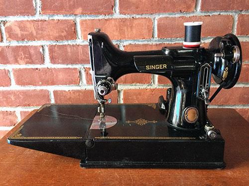 Singer Featherweight Sewing Machine