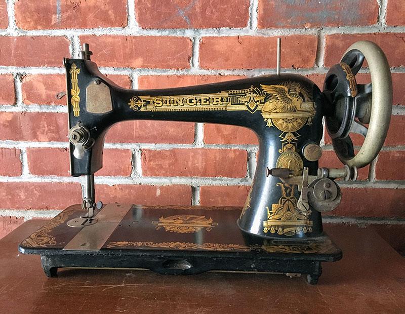 Singer 27 Sewing Machine