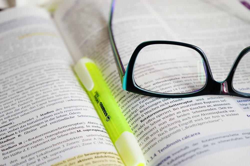 glasses-272399_1280.jpg