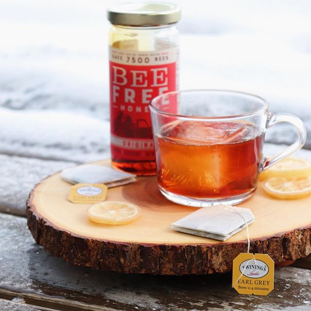 Vegan Honey + Earl Grey Gin Old Fashioned ☕️ . To celebrate #Veganuary this year, we really wanted to find interesting ways to create unique cocktails centered around plant-based versions of traditionally non-vegan ingredients - the focus for this cocktail is highlighting an incredible plant-based honey! Mixing up one (or two!) of these incredible cold-weather cocktails is as quick and easy as making a classic old fashioned - just combine earl grey-infused gin, vegan honey syrup, and bitters in an ice-filled mixing glass, stir, and strain over a large ice cube for a slow-sipping drink perfect for these freezing winter months! . For Cocktail: - 2 oz earl grey-infused gin - 1/2 oz vegan honey syrup - 1 dash Angostura bitters (@angosturahouse) - 1 dash lavender bitters (@scrappysbitters) . For Earl-Grey Infusion: - 1 tbsp earl grey tea (@twiningsteauk) - 1 cup gin (@martinmillersgin) . For Vegan Honey Syrup - 3/4 cup vegan honey (@beefreehonee) - 1/4 cup water . Link to the recipe in our bio! 👆 - - - - - - - - - - - - - - - - - - - - - - - - - - - - - - - - -  Want to see more delicious vegan comfort food and culinary-inspired cocktails? ✌️Follow us for plenty of quick and easy recipes we know you'll love! - - - - - - - - - - - - - - - - - - - - - - - - - - - - - - - - -  #earlgrey #earlgreytea #teacocktail #gin #ginstagram #ginlovers #ginlover #gincocktails #ginoclock #ginspiration #cocktail #cocktails #drinkstagram #craftcocktails #drinks #imbibe #whatvegansdrink #vegan #vegandrinks #veganrecipes #vegancocktails #veganshare #homebartender #vegandrinkshare #instacocktail #cocktailporn #imbibegram #CraftedMixology #beefree